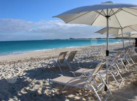 The New Grace Bay Suites, hotel in Grace Bay