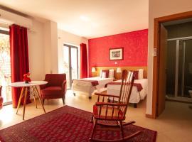 Deluxe Inn Girassol, hostel in Praia