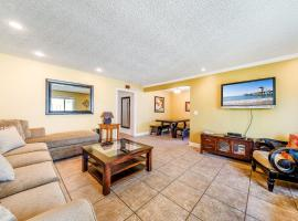 22 Huntington St. 2bdr, hotel in Huntington Beach