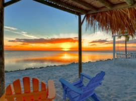 Casa de Playa - Waterfront with Amazing Sunset, Pool and WIFI