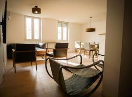 Grand appartement moderne et bien equipé plein centre