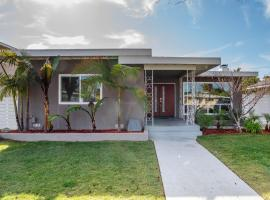 Mid-Century Stunning Home W/ Great Outdoor Living! home