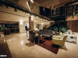 מלון שומאכר חיפה, מלון בחיפה