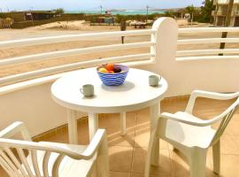 Spacious and sunny sea view apartment overlooking the Estoril beach