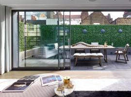 Luxury Royalty Mews Apartments, hotel di lusso a Londra