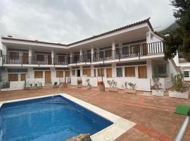 Apartamentos Ribera del Guadiaro, hotel en Benaoján