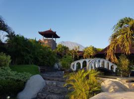 Joe's Diving Bali, Die Tauchburg