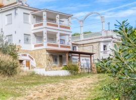 Lloret de Mar Villa Sleeps 22 with Pool and WiFi