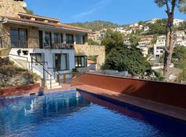 Large Villa with Seaviews and Pool