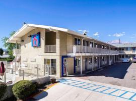Motel 6-Colorado Springs, CO, pet-friendly hotel in Colorado Springs