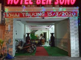 HOTEL BẾN SÔNG 1056 Hà Huy Giáp