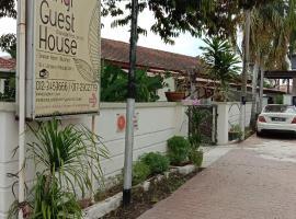 SPOT ON 90065 Bgh Hostel Teras
