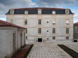 Résidence de la Corderie Royale - Meublés de Tourisme, apartment in Rochefort
