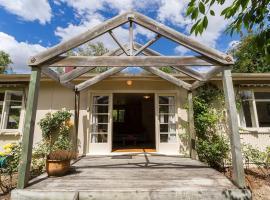 Arrow Bach - Arrowtown Holiday Home