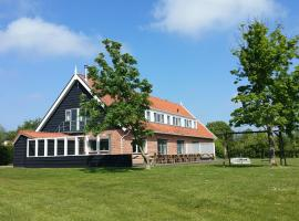 Beautiful group accommodation with facilities near the sea, holiday home in Burgh Haamstede
