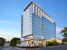 Novotel Makassar Grand Shayla, hotel in Makassar