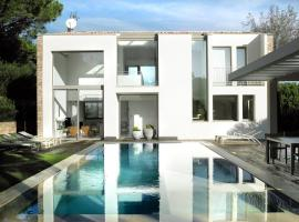 Great Location - Beautiful Villa!!!