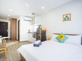 Xin Chào Apartment 3, self catering accommodation in Da Nang