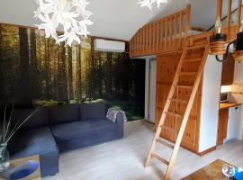 Comfortable Cottage at Scenic Lake, hotell nära Landvetter flygplats - GOT,