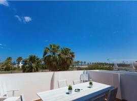 Valencia Beach House Terrace, pet-friendly hotel in Valencia