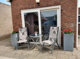 MIMI Bed by the Sea - adults only, holiday home in Zoutelande