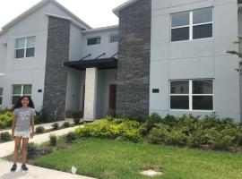 New house in Orlando with golf courses, club and close to Disney