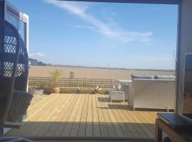 B&B by the sea, hotel in Lymington