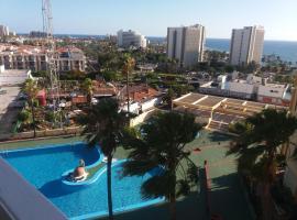 Ocean Dreams - comfy apartment in playa de las Americas - Tenerife, hotel in Arona