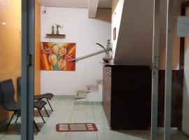 Hotel 150, hotel perto de Praia Grossa, Itapema