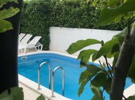 Apartments Orlic, hotel in Trogir