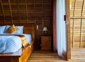 Lelong guest house, hôtel à Uluwatu