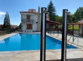 Albergue Mirador de Pedrouzo, hotel con piscina en O Pedrouzo