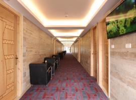 מלון בוטיק צוקים, מלון בMitzpe Ramon