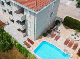 Apartments and Rooms Degra, budget hotel in Umag