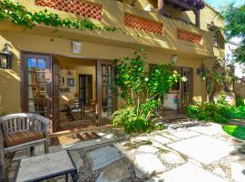 Park and Carriage Houses, villa in San Diego