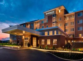Residence Inn by Marriott Lancaster, hotel with pools in Lancaster