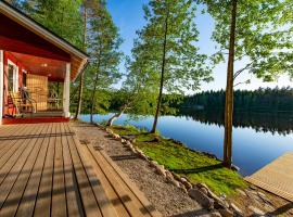 Lingonberry Small Cottage with Sauna, hotel in Mikkeli