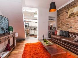 Modern Sydney/Surry Hills 19th Century Cottage