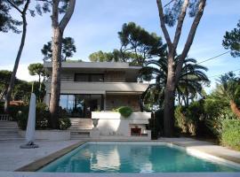 Luxury Villa Mas Cap d Antibes, luxury hotel in Antibes