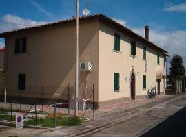 Guardiana bed and car, hotel in Lastra a Signa