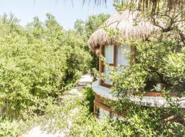 Mamasan Treehouses & Cabins, hotel que admite mascotas en Tulum