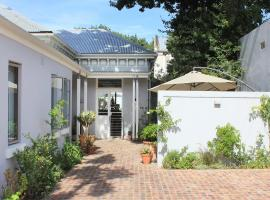 Himmelblau Boutique Bed and Breakfast, hotel near Mediclinic Cape Town, Cape Town