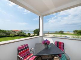 SEAPLACE #1, budget hotel in Umag