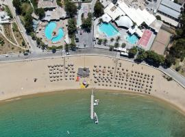 Far Out Camping Beach Club & Resort, glamping site in Mylopotas