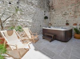 Villa Kudelik - Stone Story, hotel in Trogir