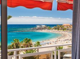 Penthouse with prime sea views of las vistas beach, hotel in Arona