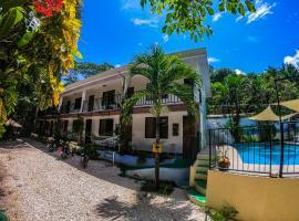 Hostel La Posada, hotel in Santa Teresa Beach