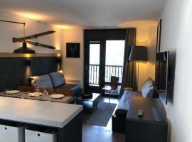 Apartment 3 pièces idéallement situé, hotel in Flaine