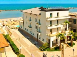 You & Me Beach Hotel, hotel in Rimini
