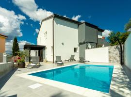 Villa Ivka with private pool, room in Soline